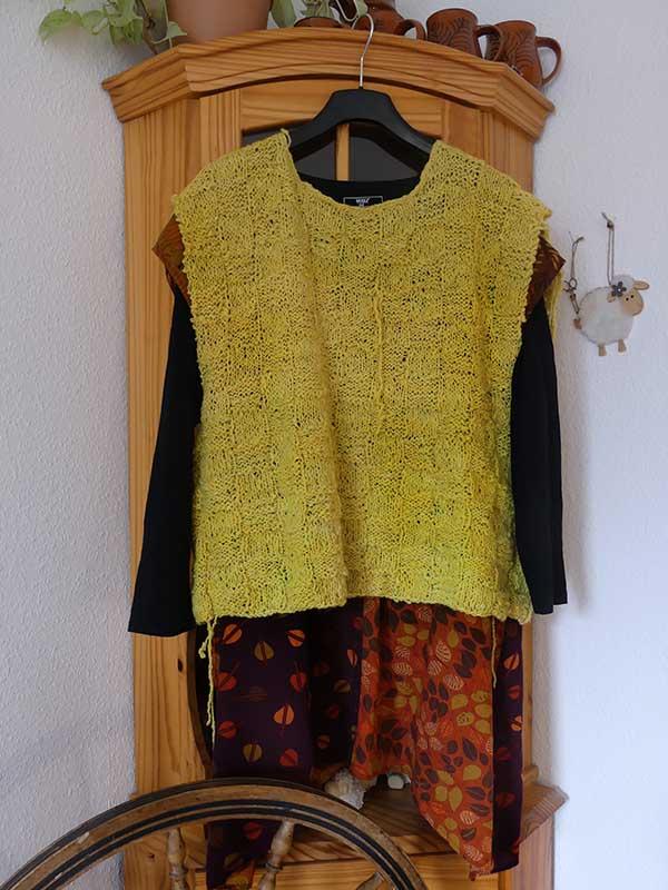 spinnen - färben -stricken: Ein Überwurf entsteht