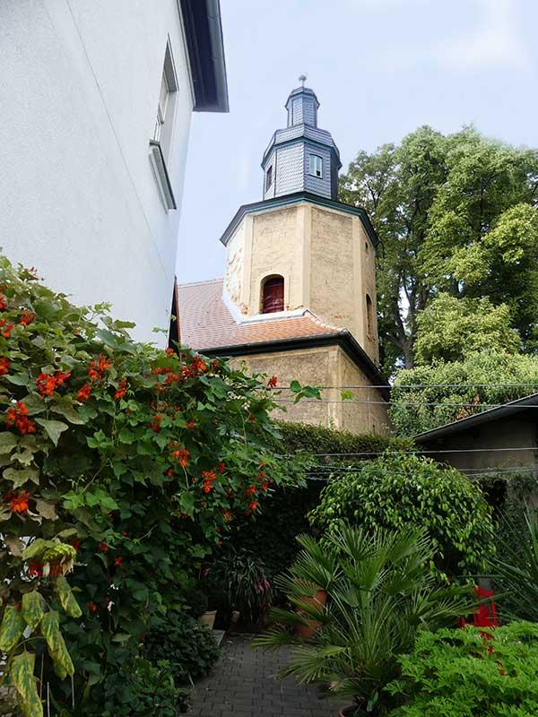 Die Kirche im Dörfchen in der Elsteraue