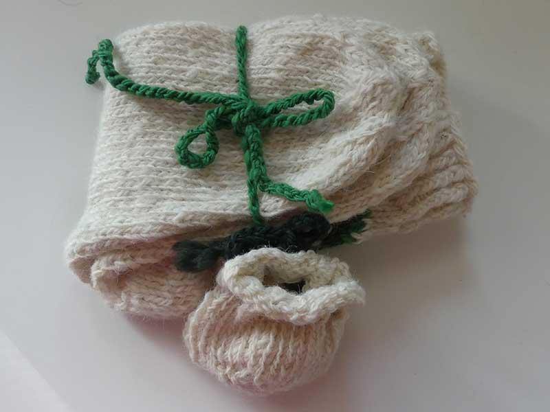 die ersten Socken für den Winter aus Schafwolle sind fertig