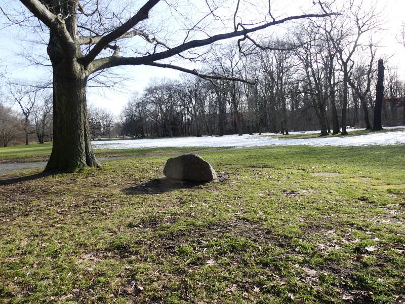 Findling im Schönauer Park